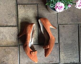 60s/70s boho suede stilettos//brass buckle//hot secretary//Terracotta//size 7
