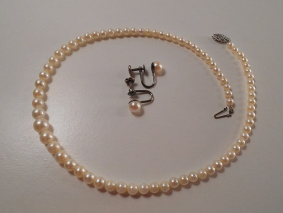vintage graduated real pearl necklace screwback earrings