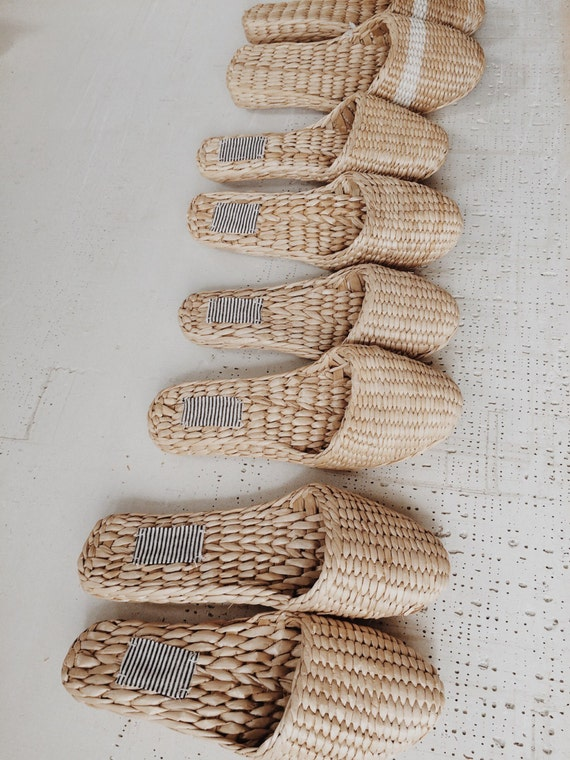 straw-slippers