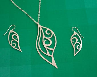 Silver Swirls Necklace and Earrings Set