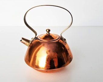 Vintage Copper Brass Miniature Kettle, Tiny Teapot, Doll's House Kitchenware, Dolls Furniture, Tiny Metal Kitchen Accessory, Collectors