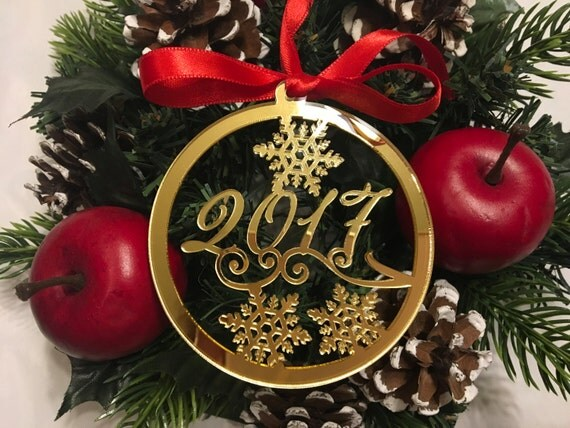 Christmas 2017 Milestone 2018 New Year's Eve Personalized gift Personalised gold baubles Tree decorations Christmas ornament Xmas bauble