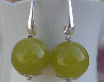 Lime green agate earrings, 925 Italian silver earrings, natural stone bead earrings, gemstone earrings, lime green dangle earrings