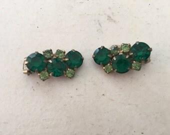 Vintage Emerald Green and Peridot Rhinestone Earrings 0842