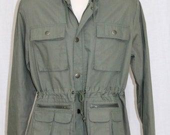 On Sale Vintage 70s SEARS Army Green Parka Work Wear Hiking RETRO Hooded Jacket Coat M