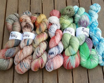Kit for Find Your Fade Shawl by Andrea Mowry - Green Is The New Red