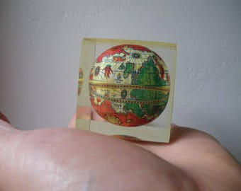 Old globe in resin-resin by inclusion press/paper/1980 / 80 s/lucite/resin