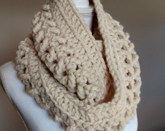 Crochet Women's Chunky Cream Cowl