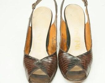 EVERYTHING ON SALE 50% Off!!! ~ DeLiso ~ Vintage Brown Snake Skin Slingback Peep-Toe Heels ~ Size 7 M
