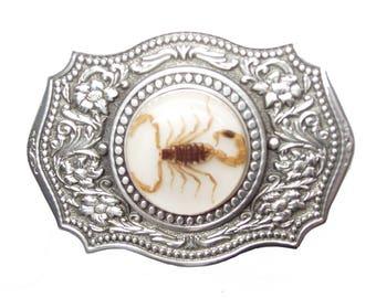 Golden Scorpion Buckle Small Circle White