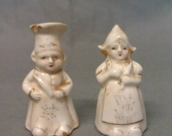 Vintage Couple with Beige clothes etc. Salt and Pepper Shaker Set