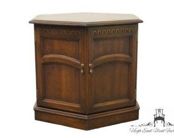 Attractive KLING Colonial Solid Cherry Cambridge Court Hexagonal Storage End Table  36 8007