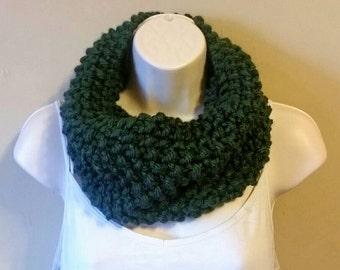 Handmade Knit Cowl/ Chunky Knit Cowl/ Seed Stitch Cowl Scarf/ Handmade Scarf/ Knit Cowl/ Handmade Chunky Cowl/  Green Scarf/ Green Cowl