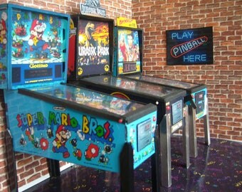 Super Mario Brothers Miniature Pinball Table Model 1/12 Scale