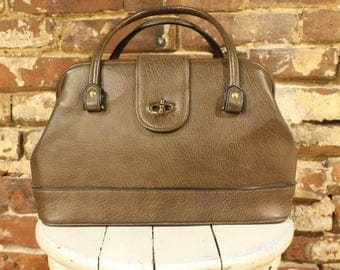 Vintage Brown Purse with Clasp