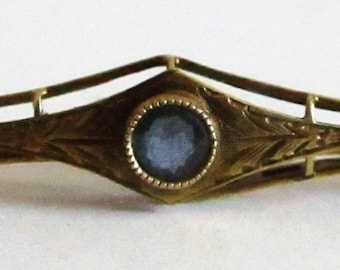 SALE Antique Art Deco 14K Yellow Gold Blue Sapphire Bar Pin Brooch Etched Leaves Victorian Sapphire Jewelry