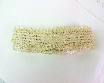 Vintage lace piece, old lace, bobbin, shiny satiny cotton, ivory / cream 3.5 m+, looks hand made