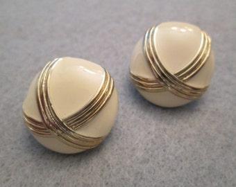 Off White Enamel Button Earrings> Pretty Gold Design> Pierced Post>> New old stock, never worn