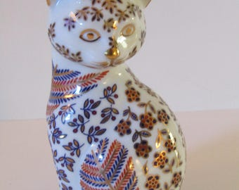 Japanese Imari Hand Painted Porcelain Cat-Gold Trim