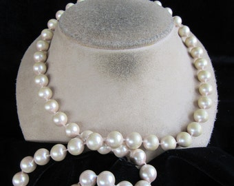 Vintage Chunky Off White Faux Pearl Necklace