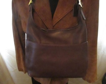 Vintage COACH Brown Leather Shoulder / Cross Body Handbag with Adjustable Strap. A Classic!
