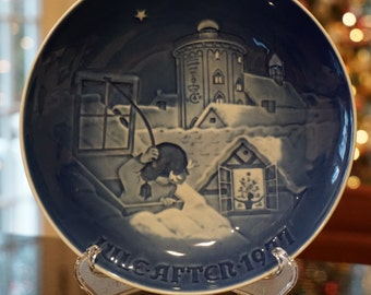 Jule Aften 1977/ Christmas Eve 1977/ Copenhagen China/ Made in Denmark/ Blue and White China/ Christmas in Copenhagen