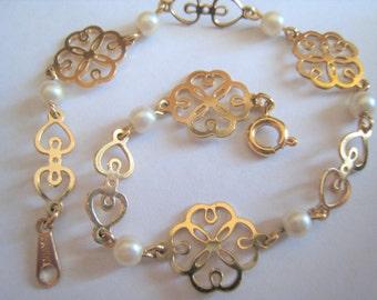 Avon Bracelet Faux Pearls