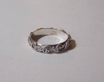 Sterling silver band ring size 9.25