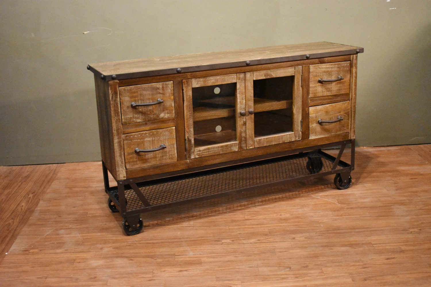 industrial rustic reclaimed wood 55 inch tv stand media. Black Bedroom Furniture Sets. Home Design Ideas