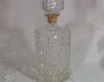 Vintage Glass Decanter, Diamond Pattern Glass Bottle, Large Pressed Glass Decanter,Whiskey Decanter,Liquor decanter,Carafe