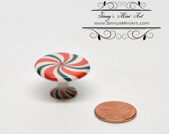 1:12 Dollhouse Miniature Ceramic Christmas Pepermint Cake Plate BD B251