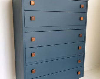 SOLD SOLD **  Vintage mid century chest of drawers
