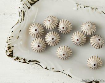 Destash beads / vintage beads / gold etchedbeads / destash bead lot / bead destash / upcycled / reclaimed beads / bead destash / eco chic