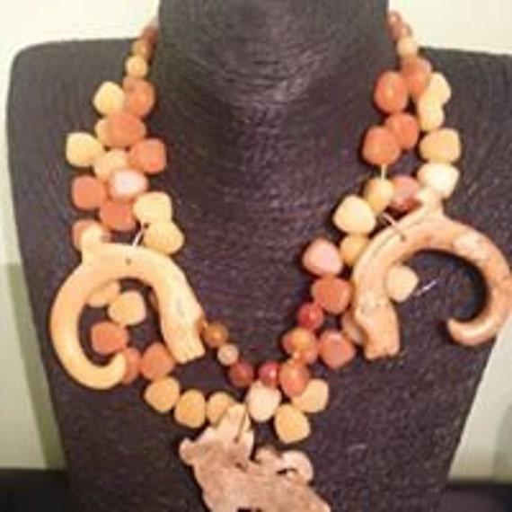 Oriental strands necklaces