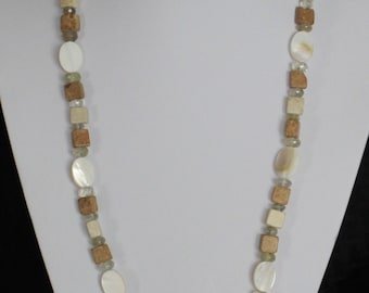 Beige and white necklace