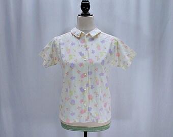 Vintage 50s 60s pastel floral button down shirt // Size XS / S
