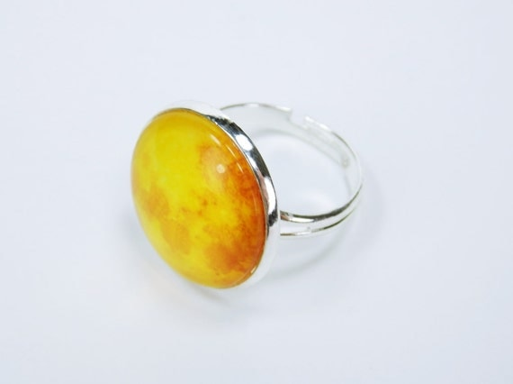 Ring Sun-yellow cabochon in silver ring version jewelry finger Jewelry Planet Yellow Orange