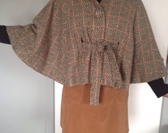 Fall Cape, beautiful shades, vintage wish!