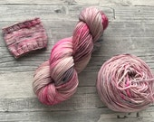 FROSTY MORNING - Hazel Soft Sock Fingering Weight superwash Yarn - 100g - 400m