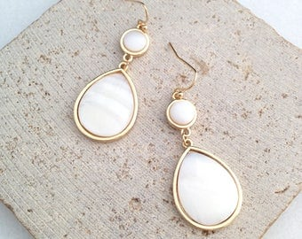 Tear Drop Earring,Sea Shell Drop Earring,Sea Shell Tear Drop Earring,White Tear Drop Earring,Bridesmaid Earring,Bridal Earring