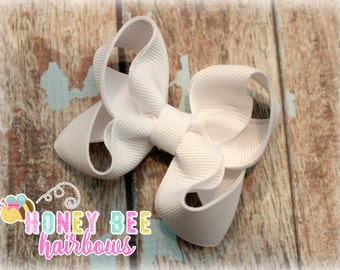 READY TO SHIP! Classic white hair bow, boutique hair bow, solid color bow