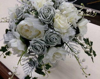GYPSY QUEEN  Silver / Ivory  BOUQUET