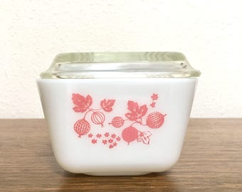 Vintage Pyrex Pink Gooseberry Refrigerator Dish with Lid #501 1 1/2 Cup