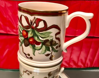 Tiffany & Co. Garland China 8 Mugs Cups Rare Discontinued Christmas Holiday Set