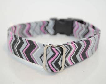 Pink and grey chevrons Martingale