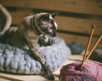 Chunky Wool Pet Bed | Chunky Pet Bed | Merino Wool Pet Basket | Bulky Pet Furniture | Cat Bed | Knitted Pet Bed | Dog Furniture | Arm Knit