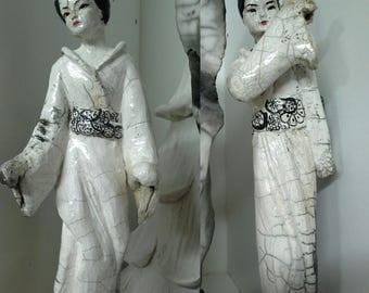 Small geisha sculptures