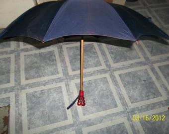 vintage 23 in parasol with wooden shaft