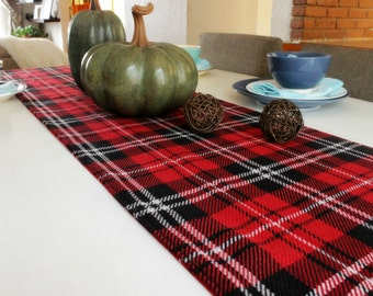 Red, white and black plaid table runner. Woven cotton. Check  Table decor, Tartan Party table. Hostess gift. Holiday gatherings