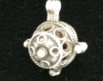 Charming Vintage Pendant in Moroccan Silver.